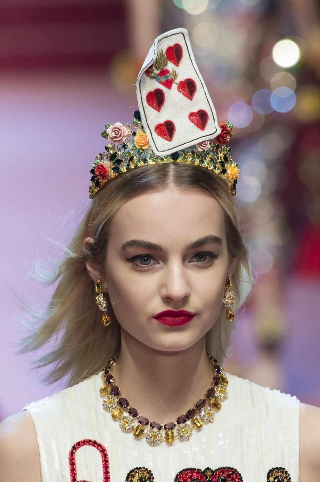 Dolce & Gabbana Steals Hearts with Its Spring/Summer 2018 Accessories