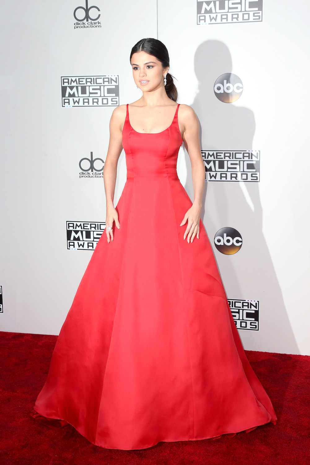 Selena Gomez attends the 2016 American Music Awards