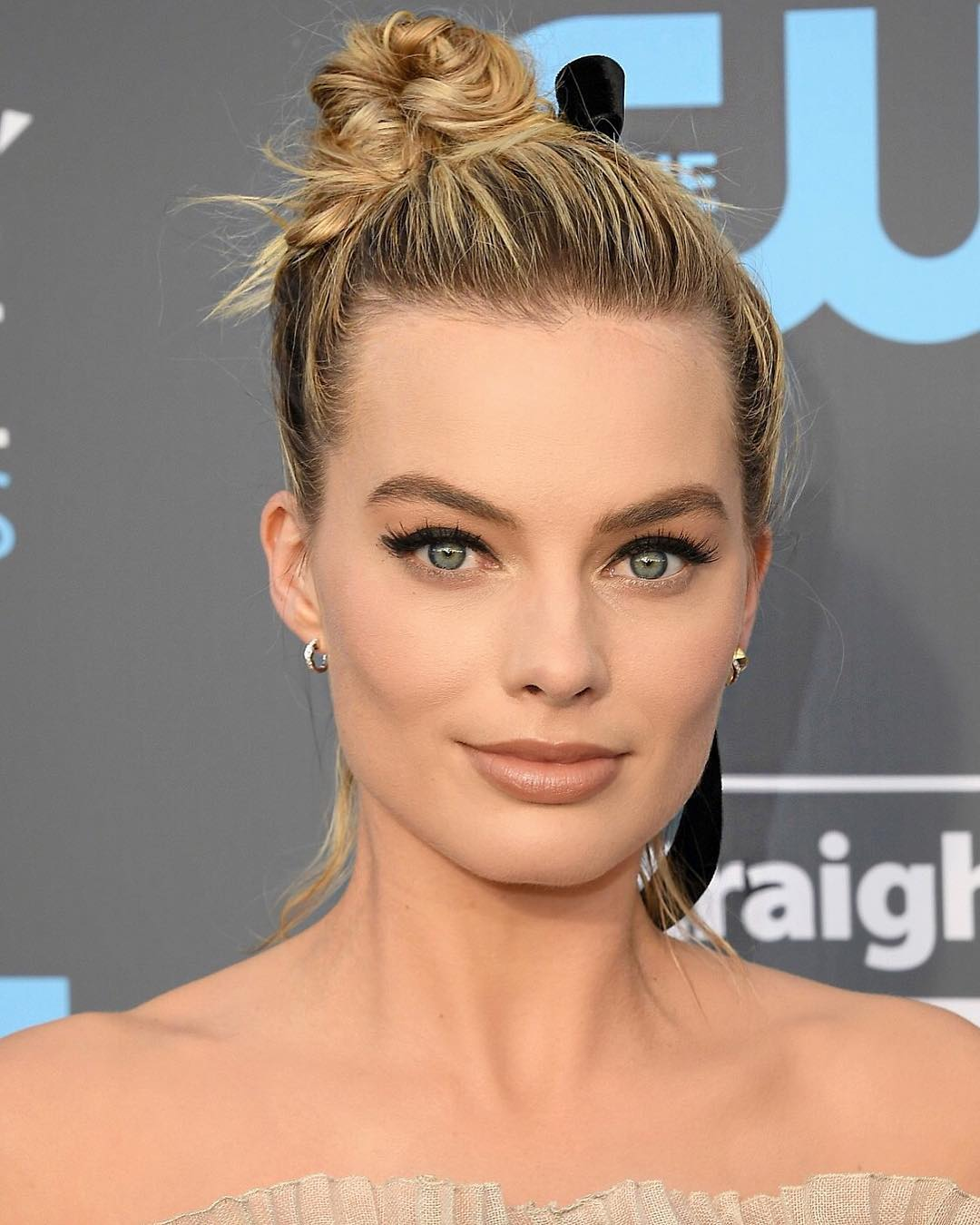 Margot Robbie beauty