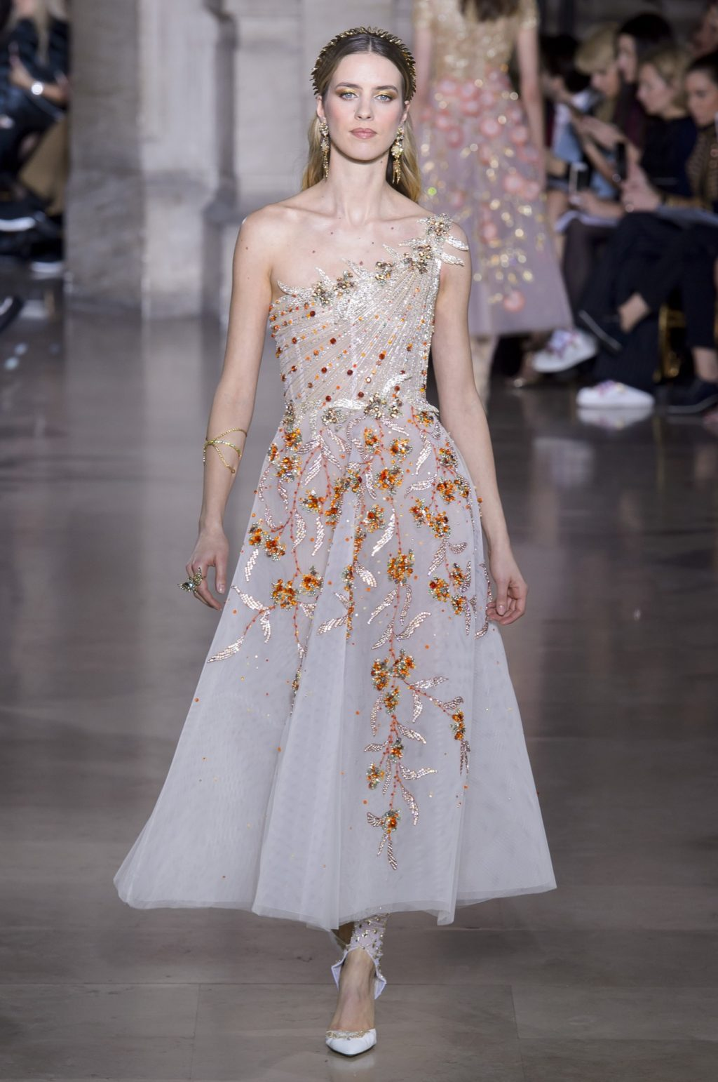 Georges Hobeika Takes a Grecian Turn for Spring 2018 Couture