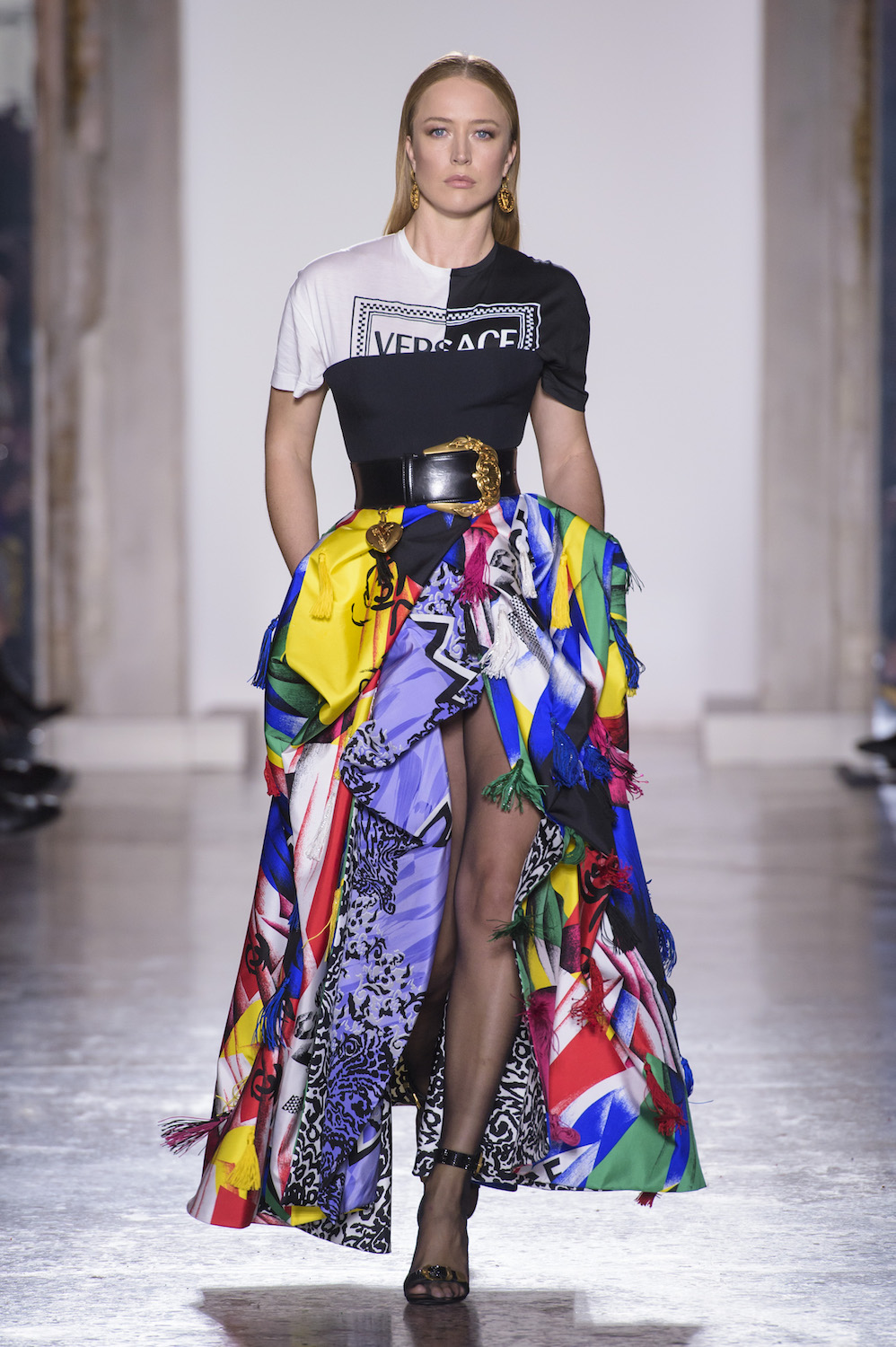 Versace Does Nostalgia the Right Way for Fall/Winter 2018