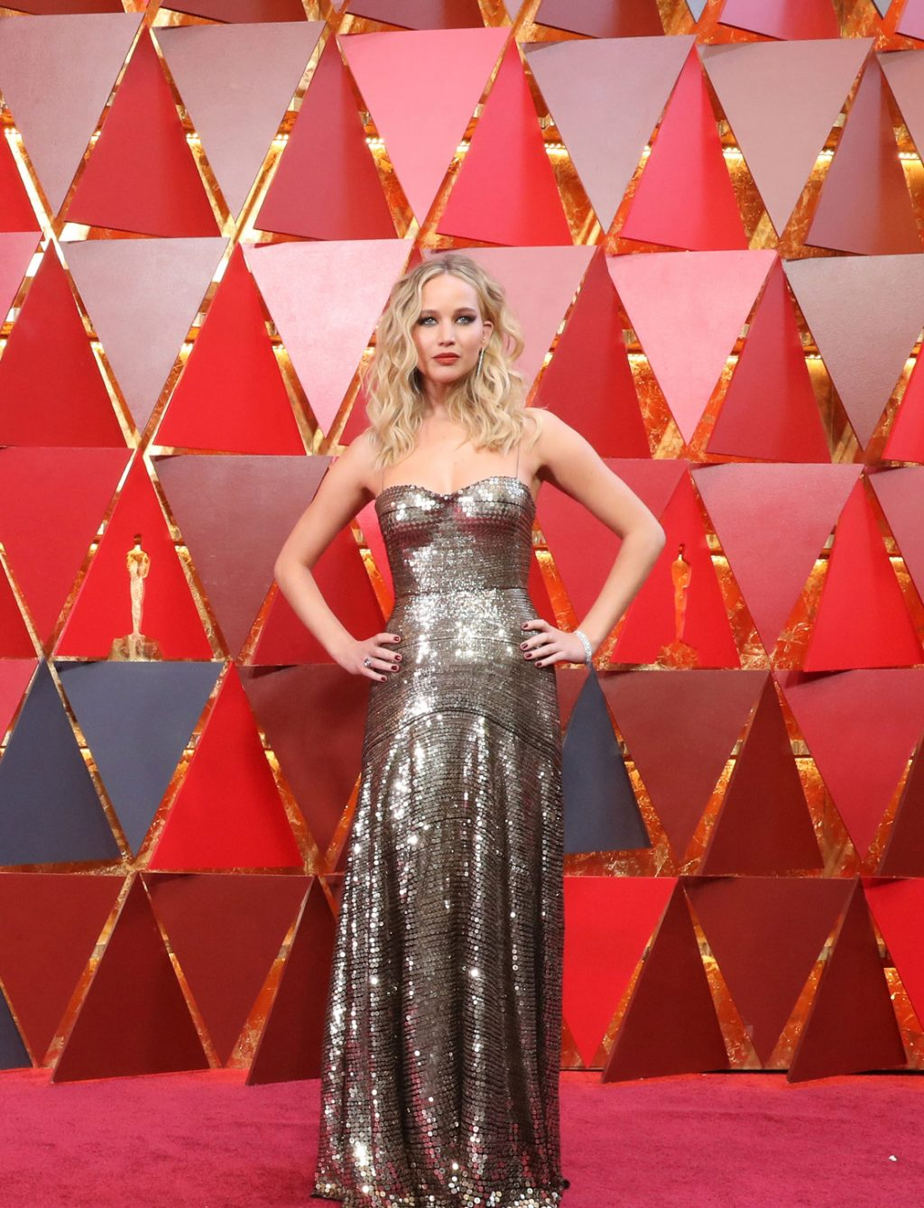Who Were the Best-Dressed Celebrities at the 2018 Oscars? You Decide