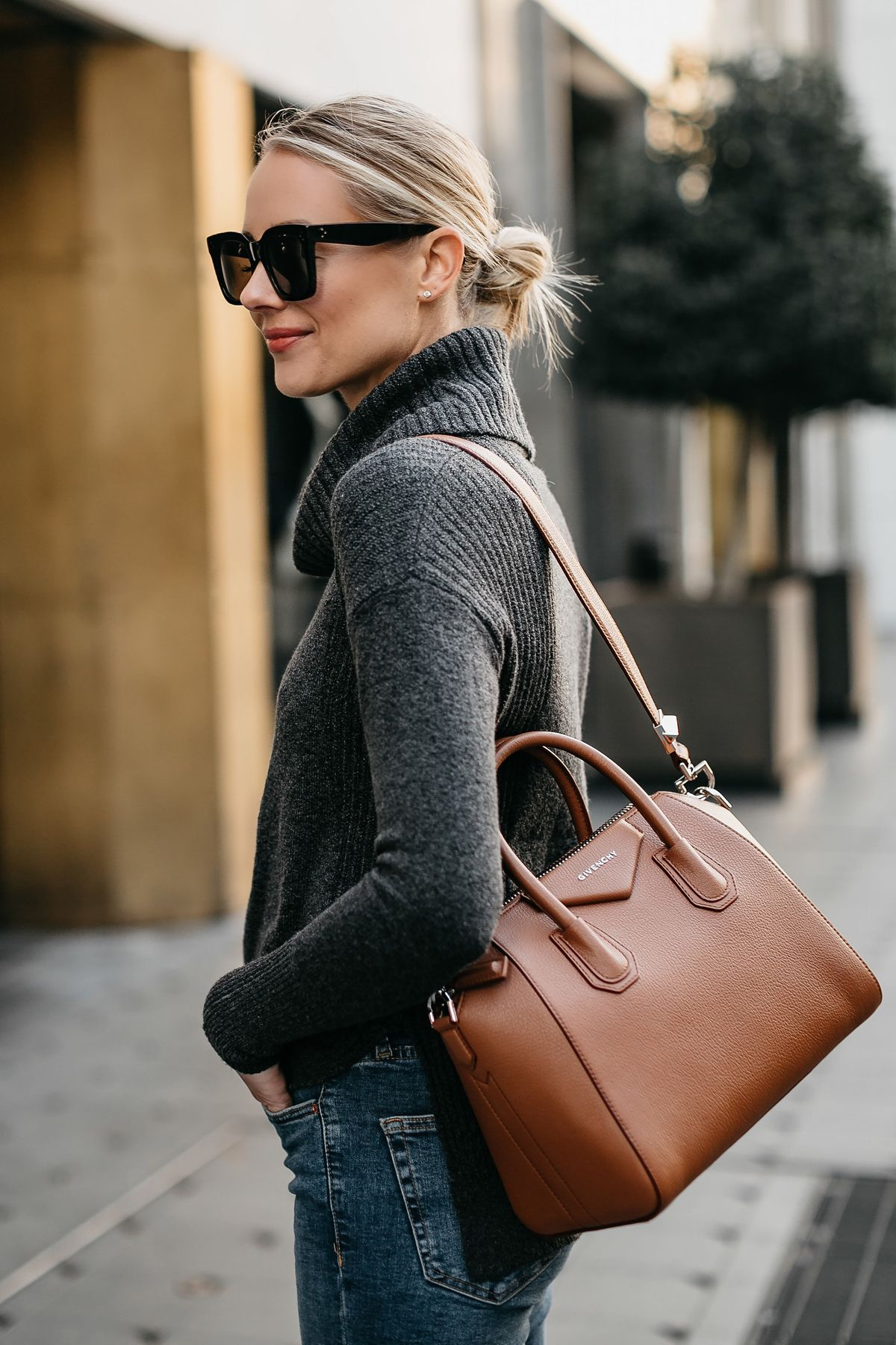 a8890ec7e970 The 10 Most Iconic Handbags in History - Savoir Flair