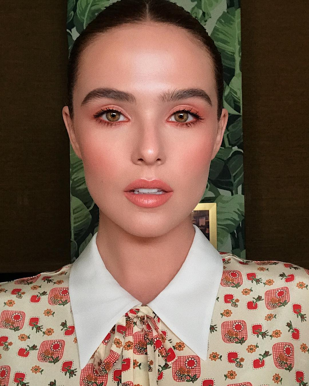 Celebrity Beauty Looks Zoey Deutch