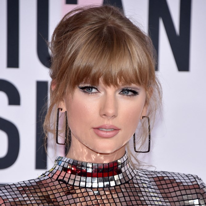 American Music Awards 2018 beauty Taylor Swift