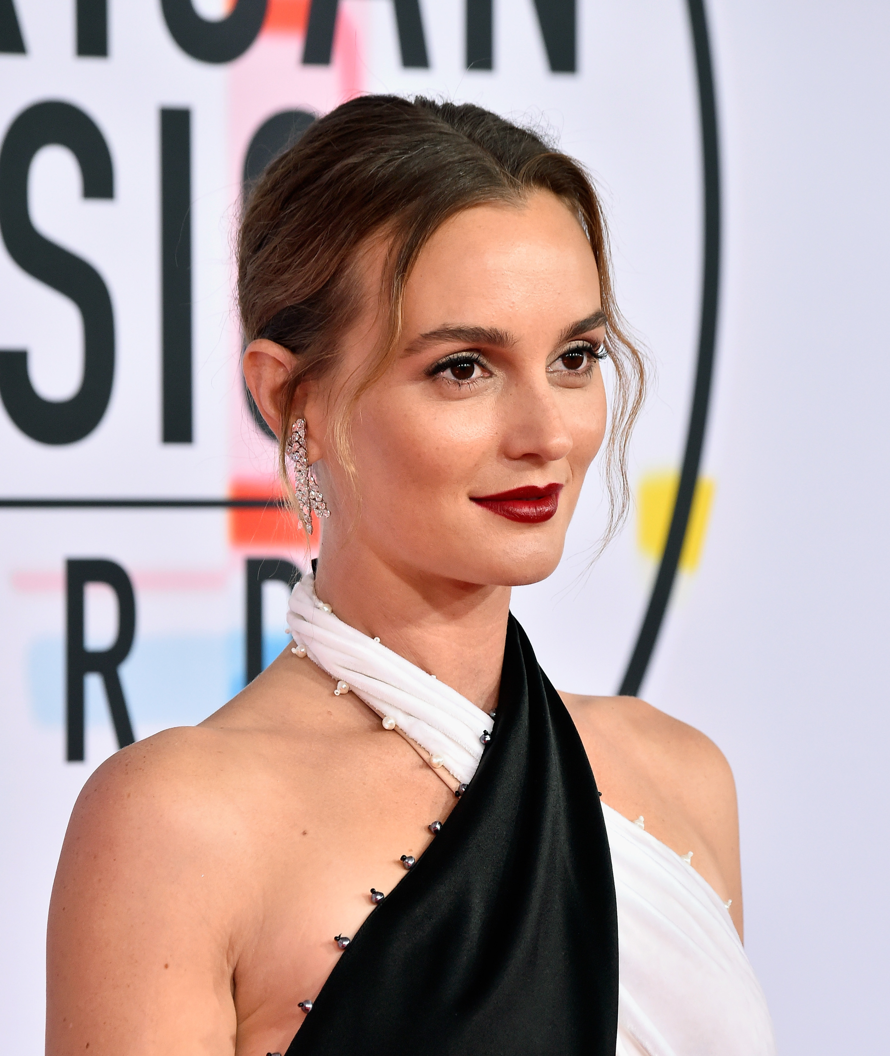 American Music Awards 2018 beauty leighton meester