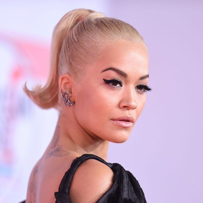 American Music Awards 2018 beauty rita ora