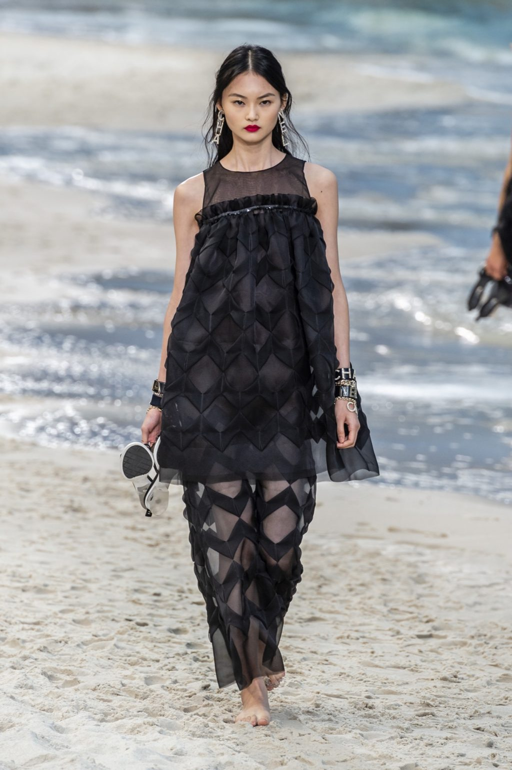 Chanel Takes a Leisurely Stroll on the Beach for Spring/Summer 2019