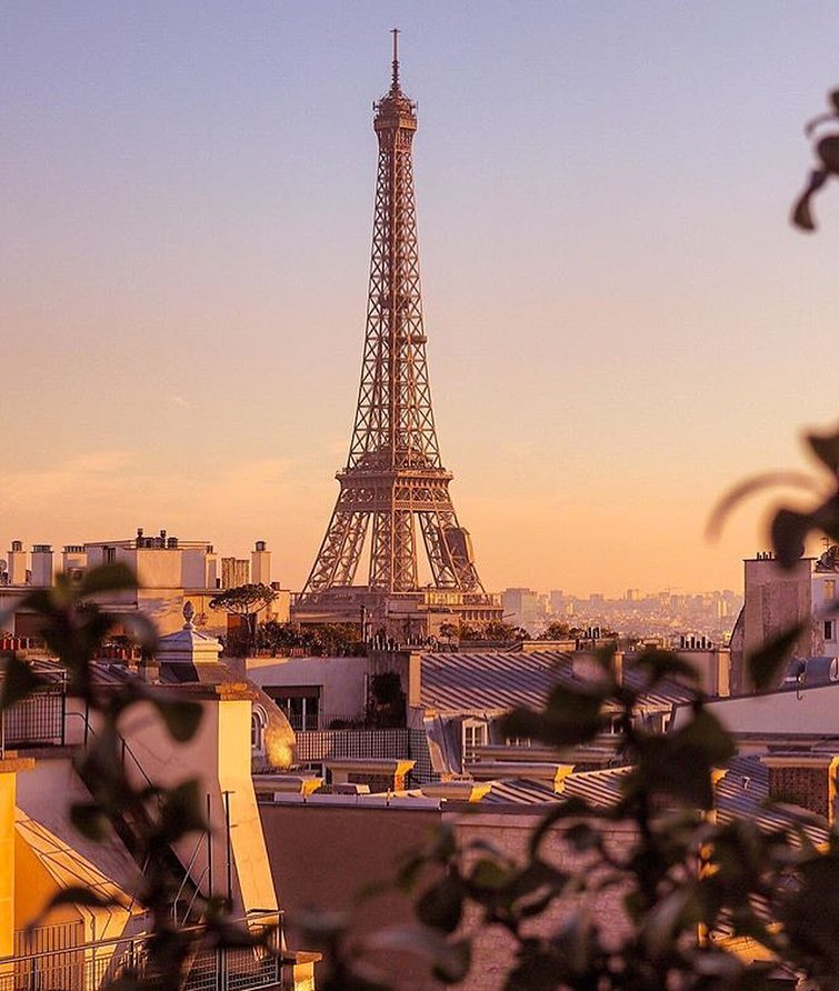 Forget Fashion Week – This Hotel Is Why We Want to Be in Paris