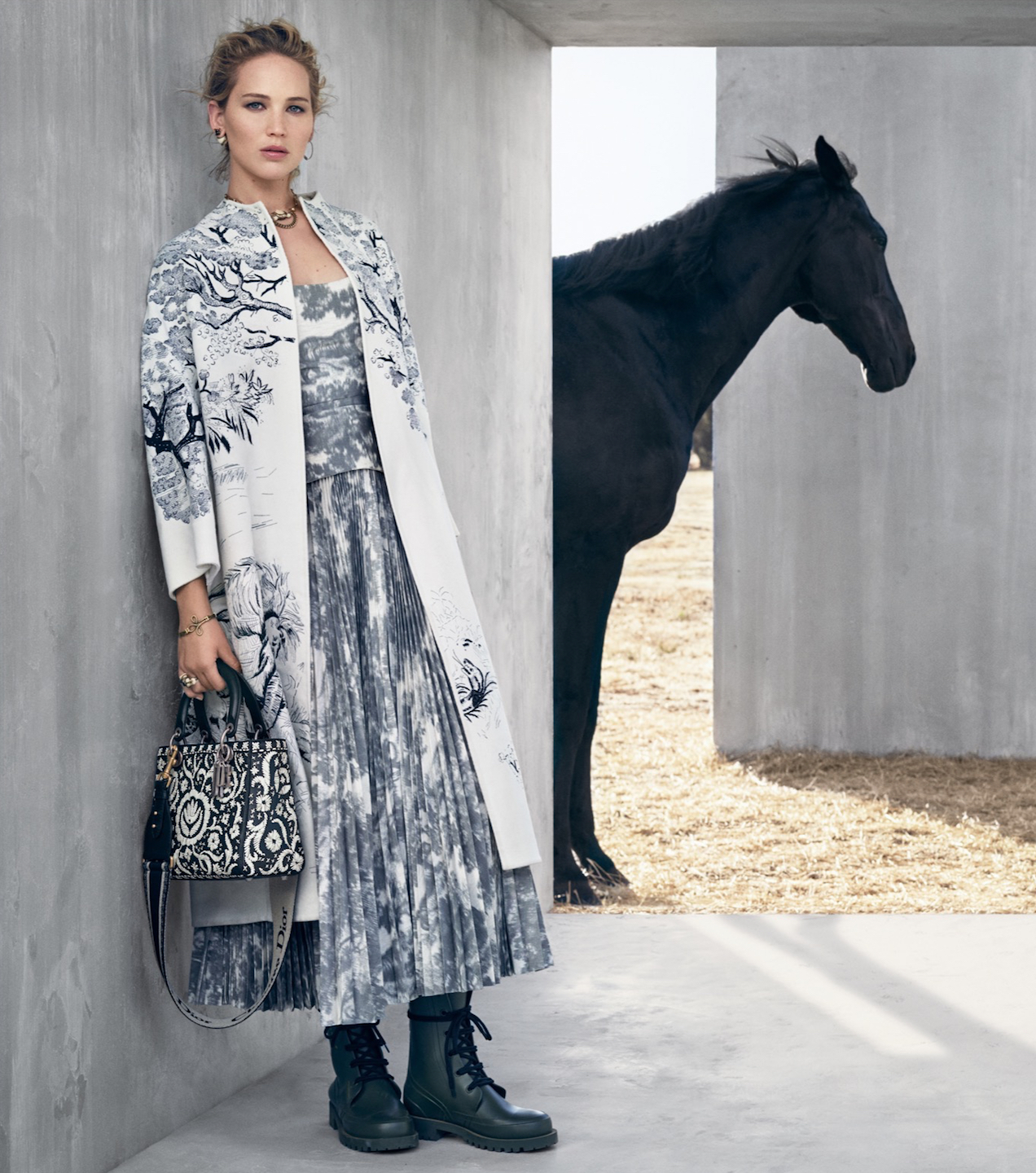 5697a07332 Jennifer Lawrence Stars in the Dior Cruise 2019 Campaign - Savoir Flair