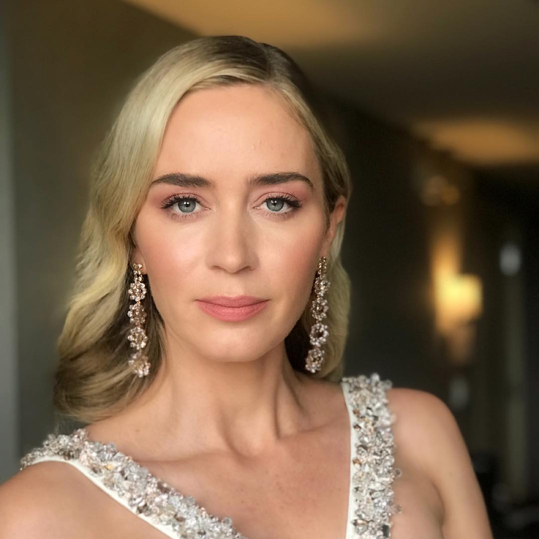 critics choice awards beauty emily blunt