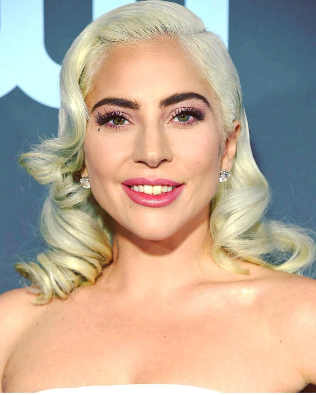 critics choice awards beauty lady gaga