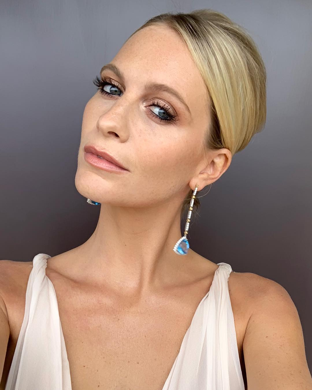 critics choice awards beauty poppy delevingne