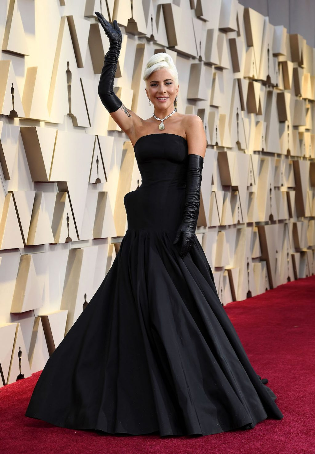 Lady Gaga Wins the Oscars Red Carpet in a $30 Million Necklace