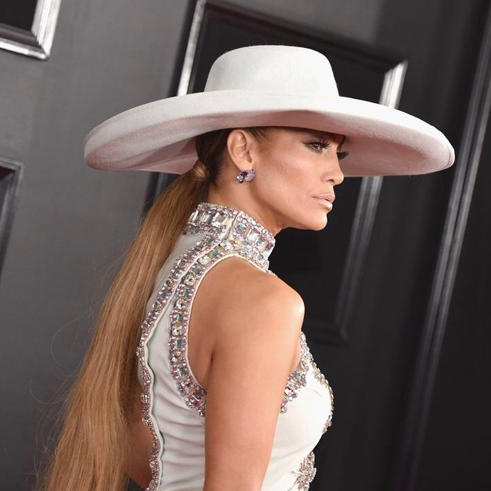 Grammys 2019 Beauty jennifer lopez