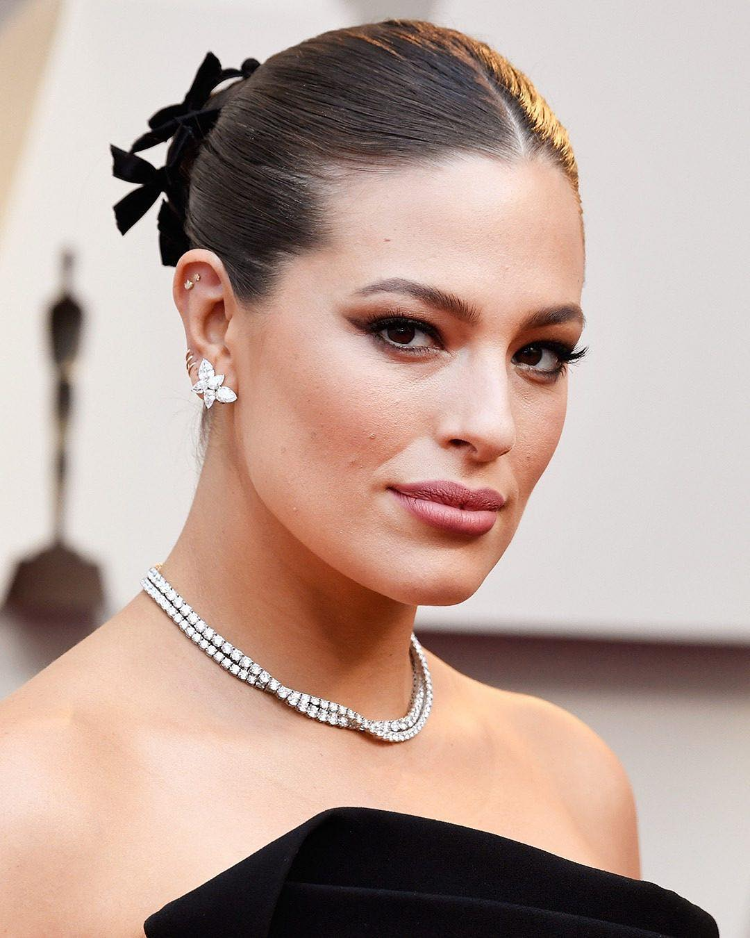 Oscars 2019 beauty Ashley Graham
