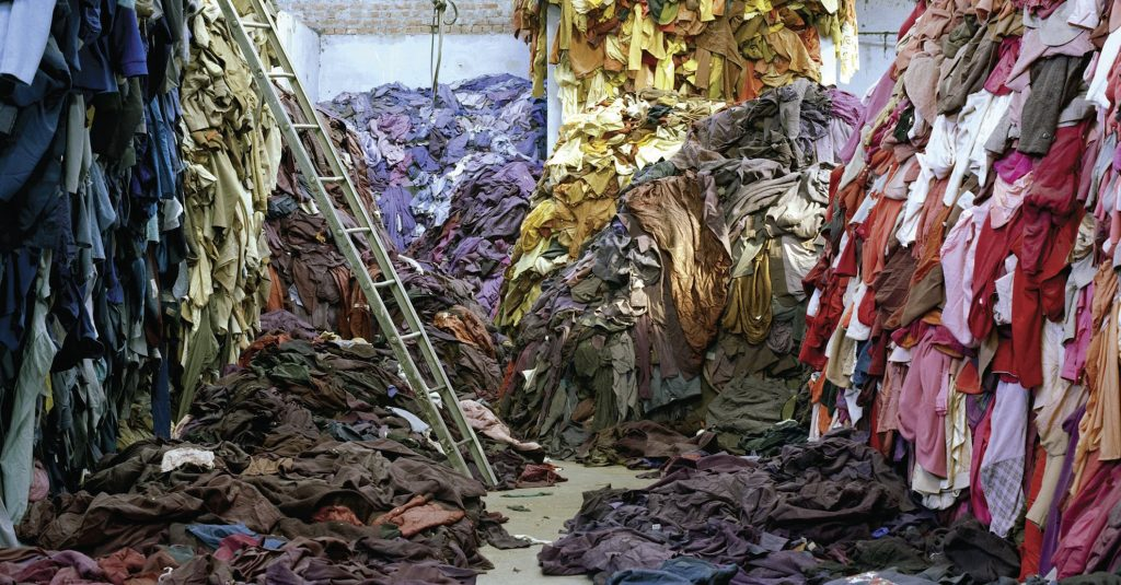 Is Fast Fashion Destroying the Environment? Savoir Flair Investigates