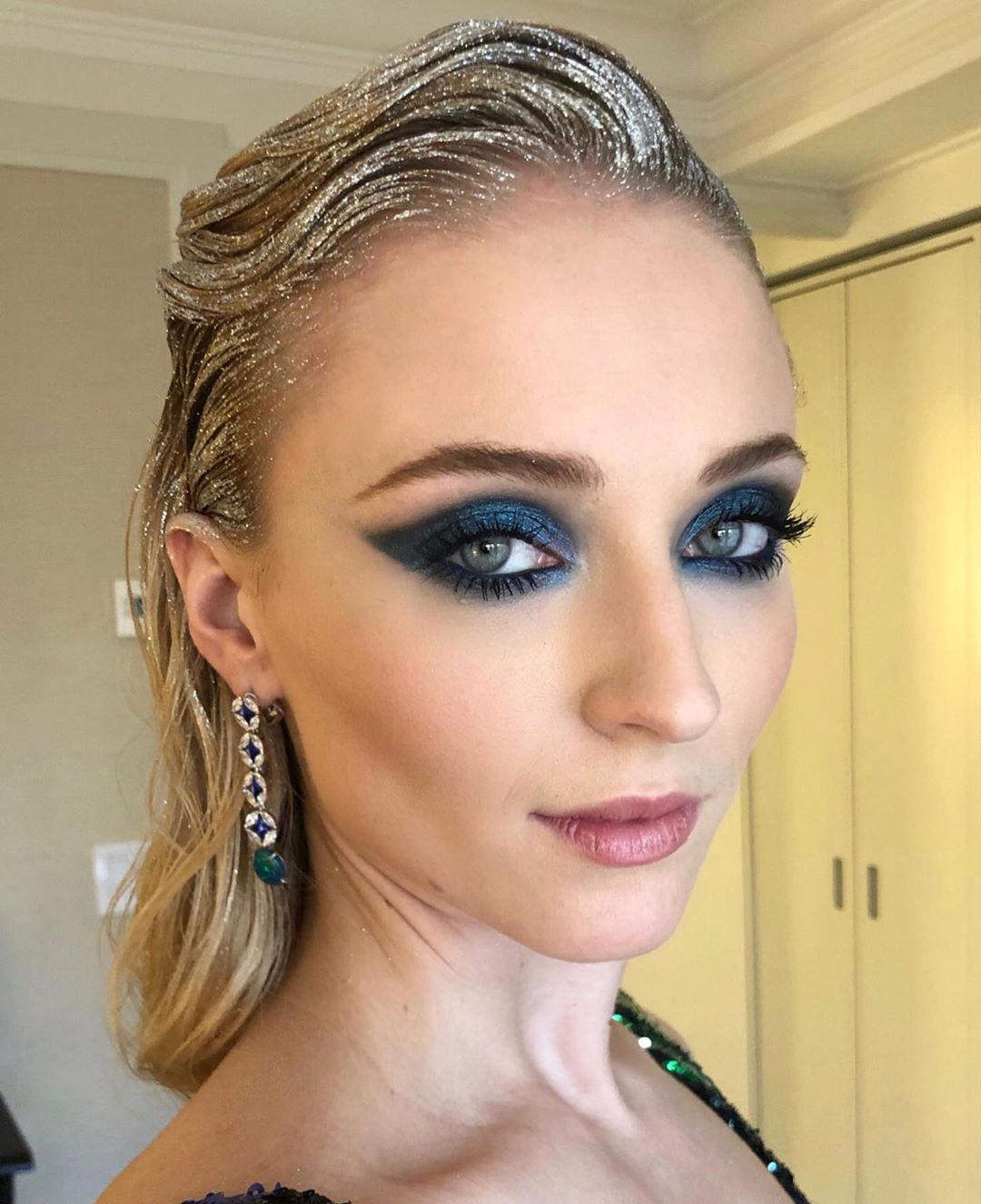 Met gala beauty sophie turner