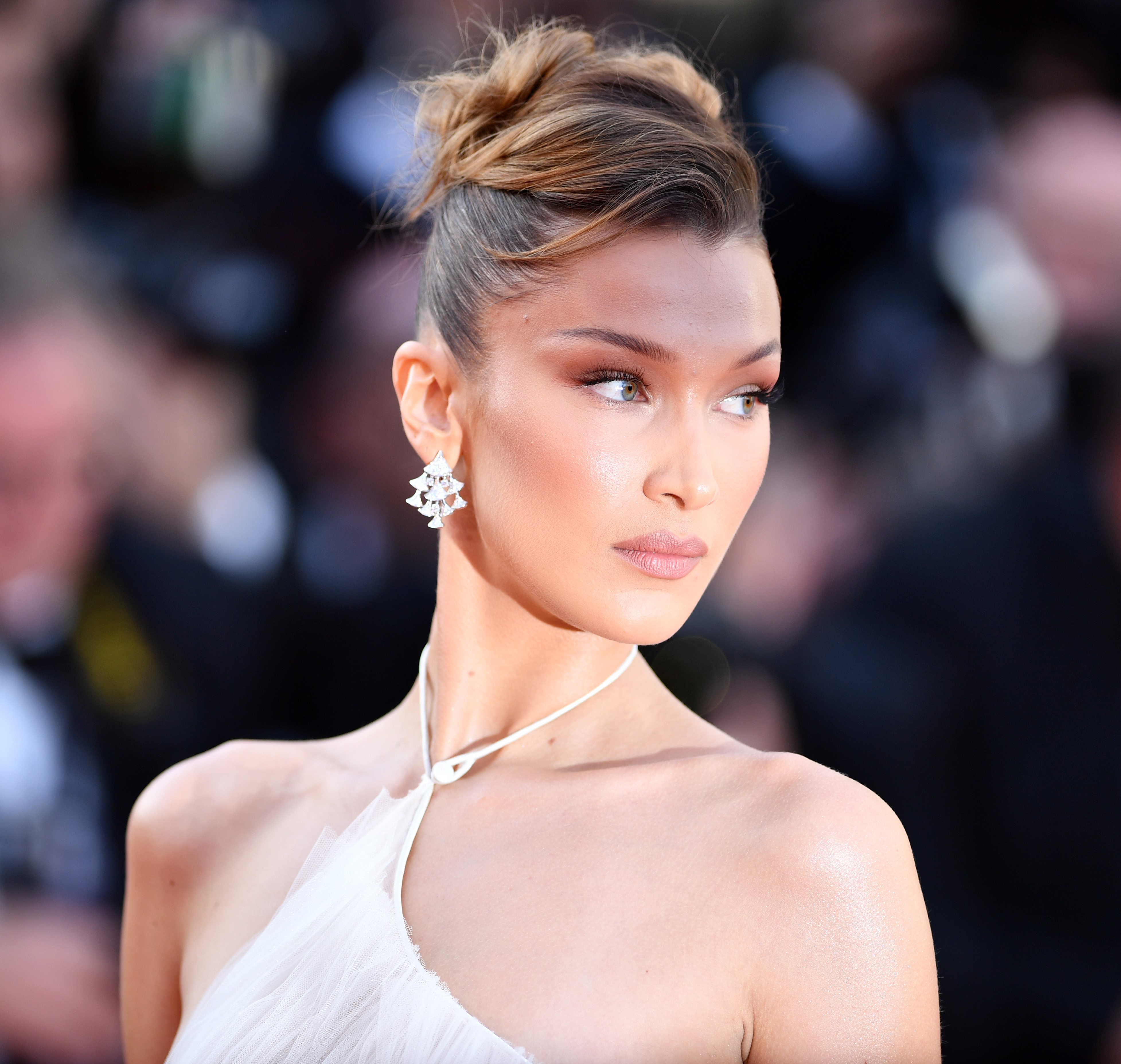 best beauty makeup looks cannes 2019 bella hadid