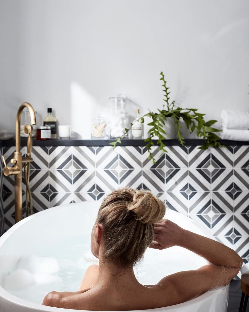 Eye Candy: You'll Want to Sink into These Freestanding Bathtubs