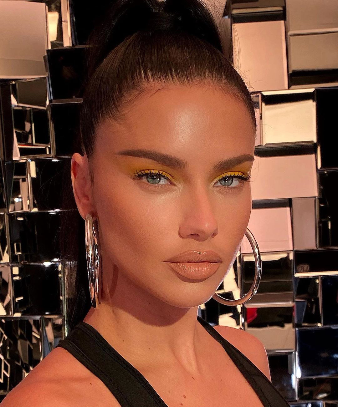 Adriana Lima yellow eyelids