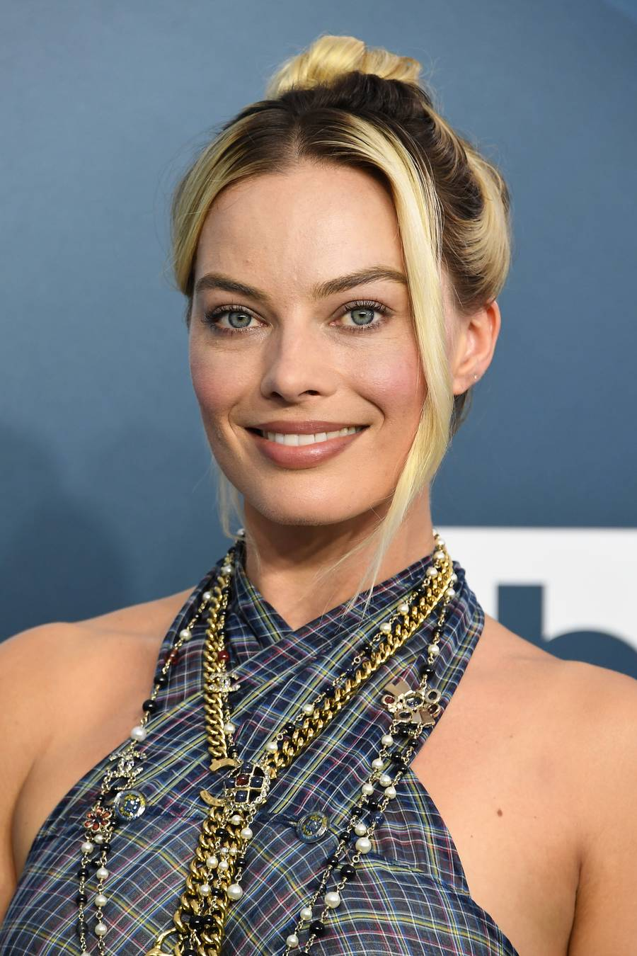 SAG Awards 2020 beauty Margot Robbie