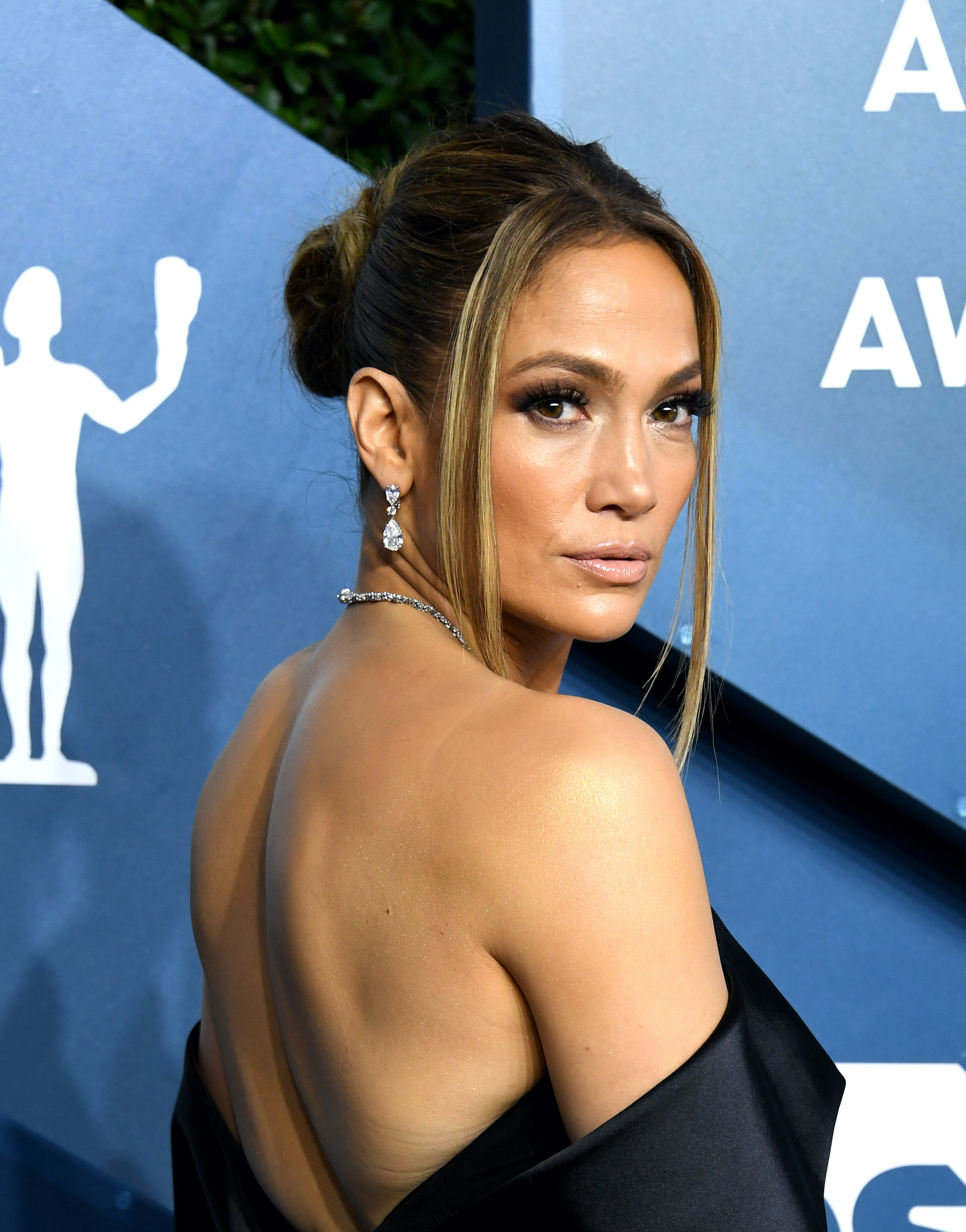 SAG Awards 2020 beauty jennifer lopez