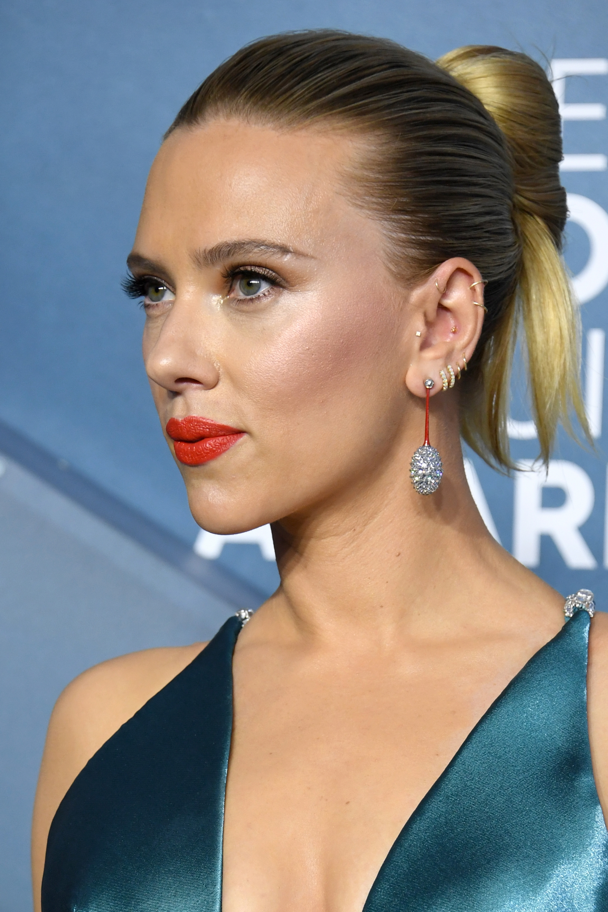 SAG Awards 2020 beauty scarlett johansson