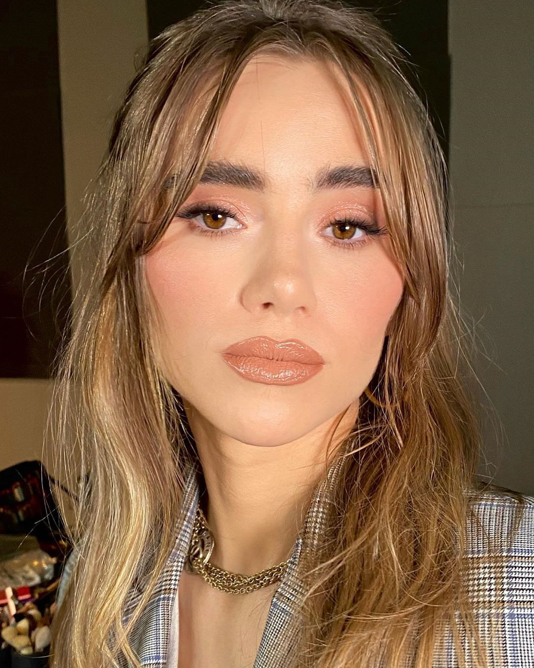 celebrity beauty looks suki waterhouse