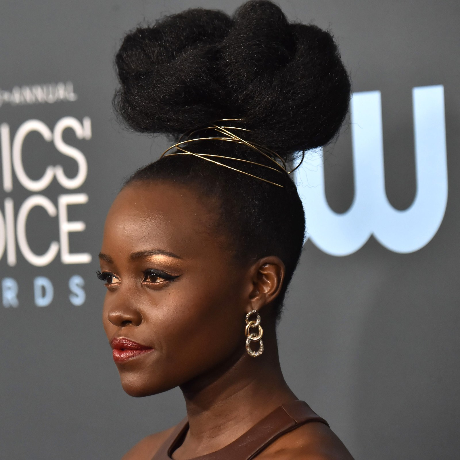 critics choice awards beauty 2020 lupita nyong'o