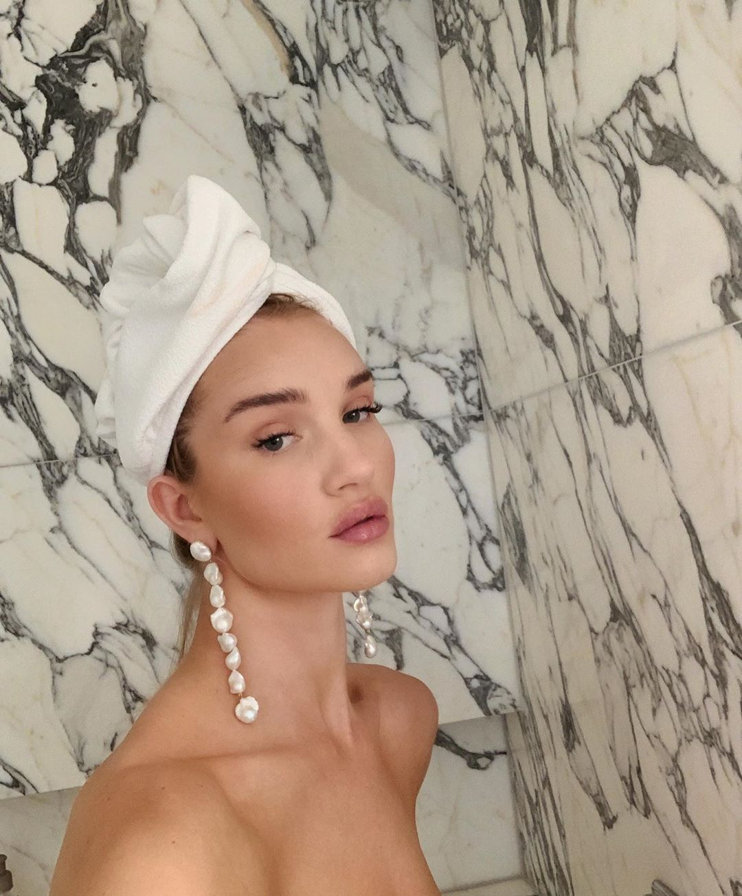 rosie huntington-whiteley bathing routine