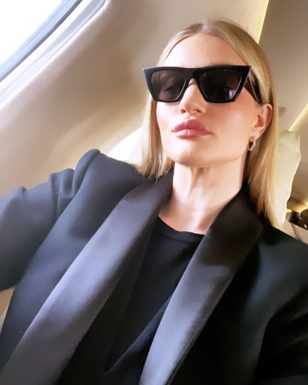 rosie huntington-whiteley skin routine