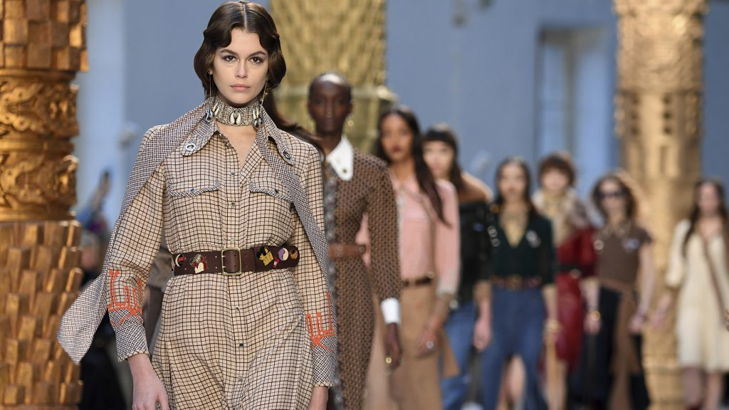 The Chloé Girl Becomes the Chloé Woman for Fall/Winter 2020