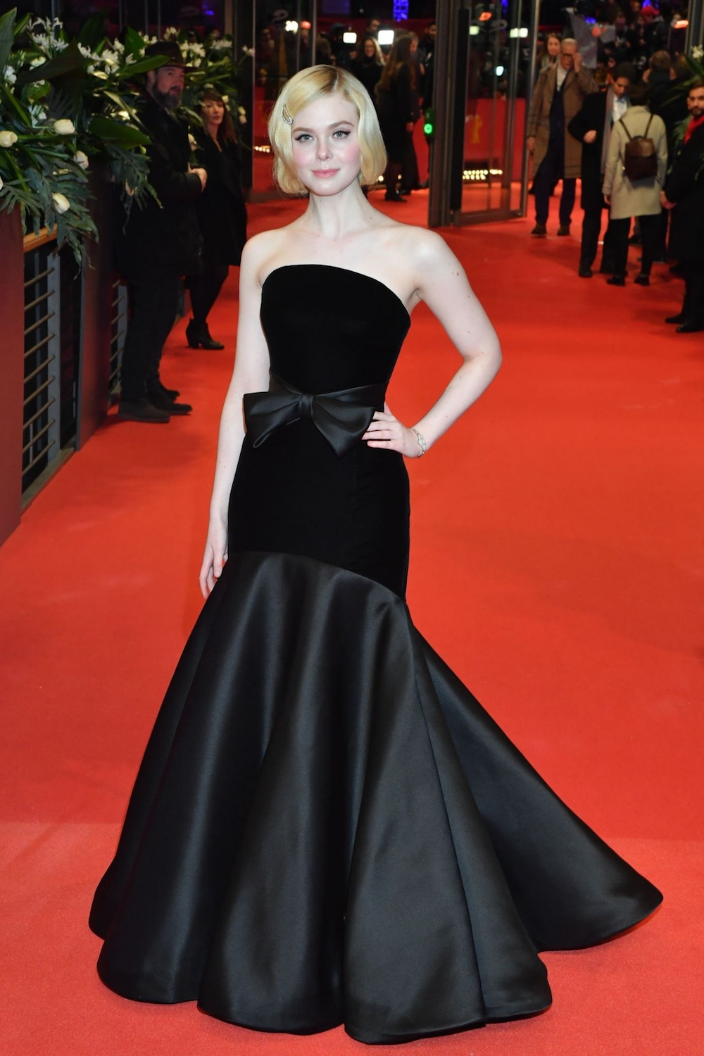 Best Dressed Celebrities - Elle Fanning in Armani Prive 1