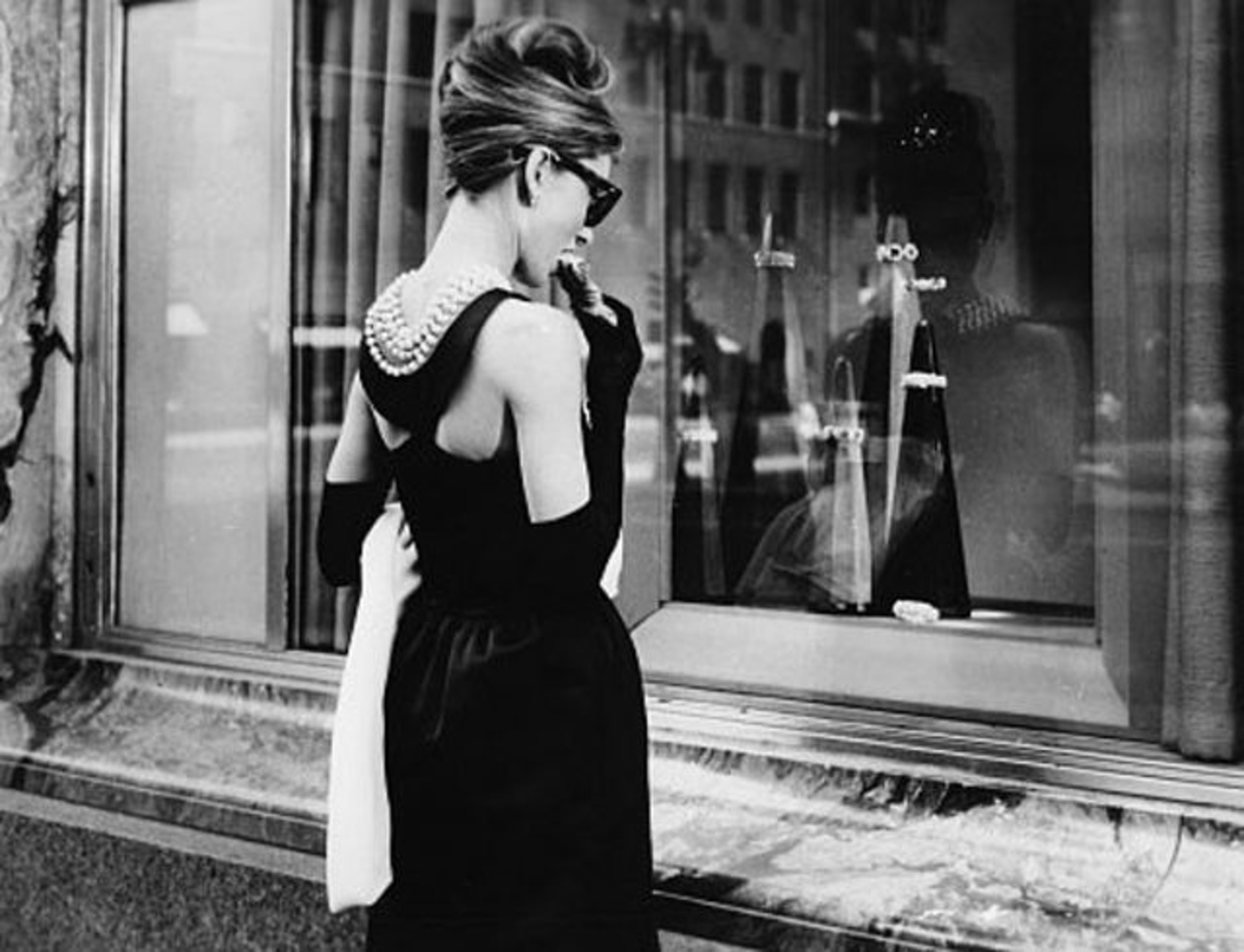 Audrey Hepburn Breakfast at Tiffanys - iconic movie outfits