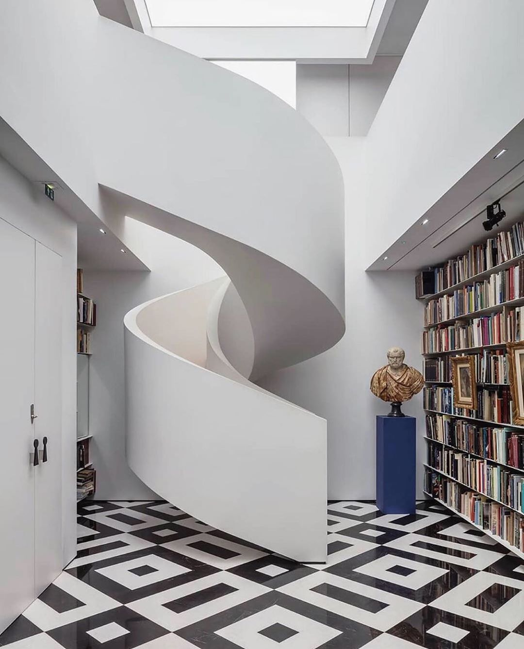 #SwipeRight: The Most Beautiful Home Libraries for Your Viewing Pleasure