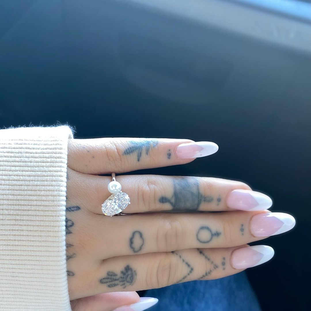 ariana grande engagement ring