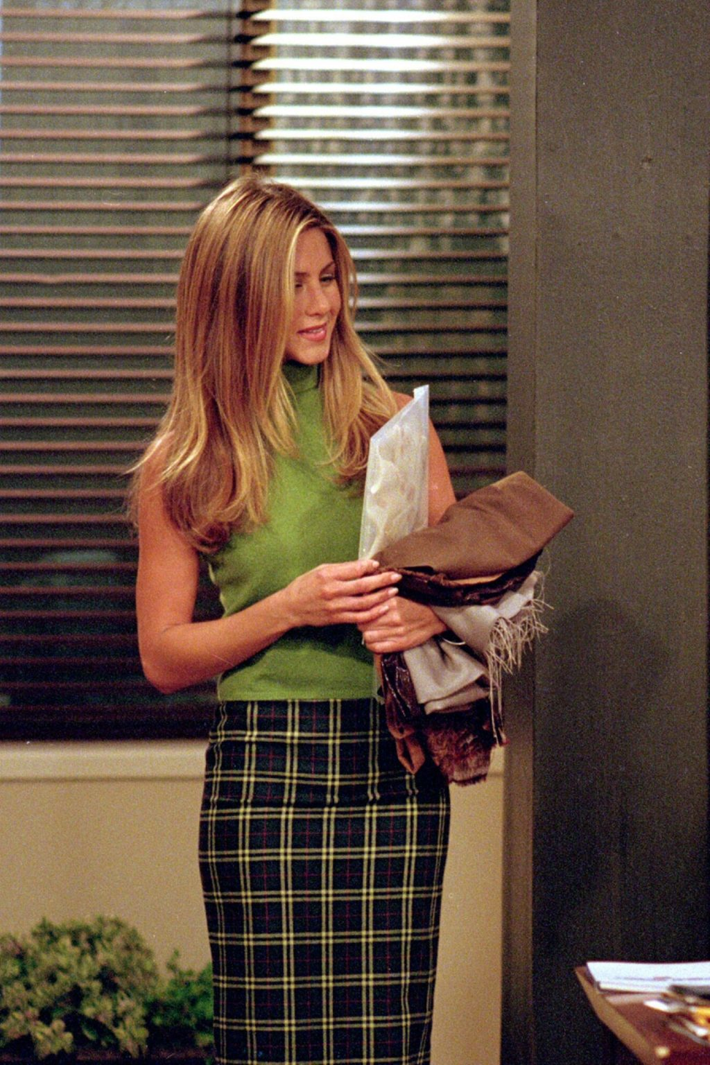 7 Rachel Green Outfits You Can Still Wear Today, as Jennifer Aniston Turns 52