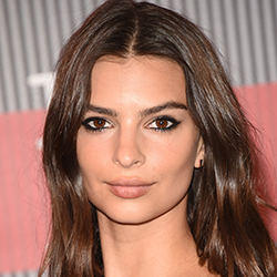 How to Get Emily Ratajkowski's Simple and Sultry Smoky Eye