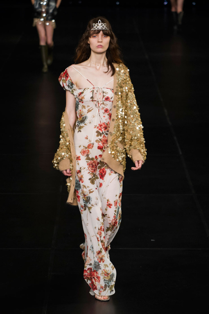 4477b60dec9 Paris Fashion Week Coverage: Saint Laurent Spring 2016 Collection. 64 OPEN  GALLERY