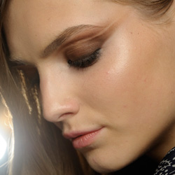 5 Beauty Trends Spotted at Paris Fashion Week
