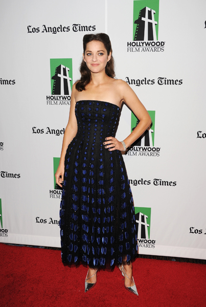 Style Watch: Marion Cotillard, Amanda Seyfried, and more